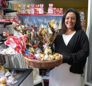 Janice Azevedo aprendeu fazer trufas e doces no curso Mãos de Maria (Foto: Francisca Rodrigues)